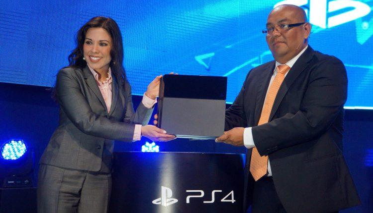 Lanzamiento PS4 en Perú PlayStation 4