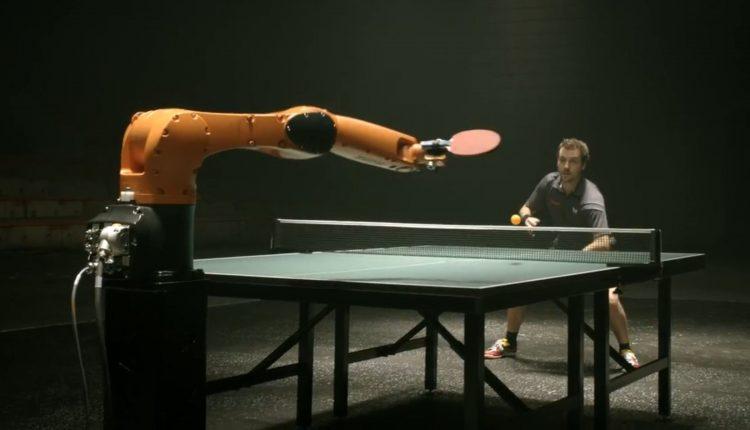 ping pong robo vs hombre man