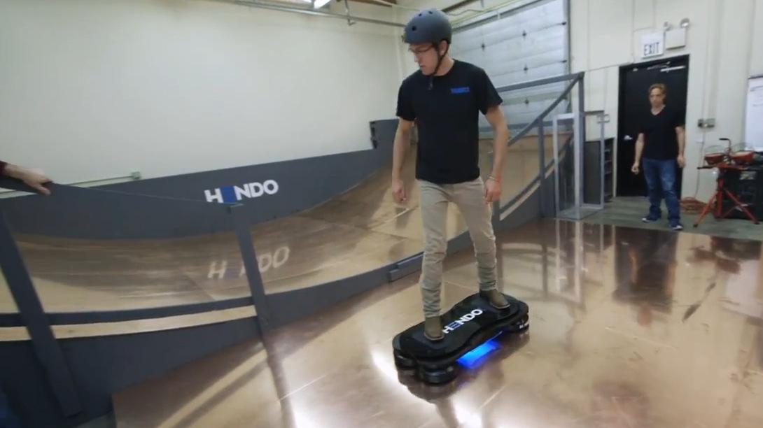 Hoverboard Hendo (2)