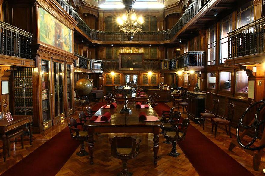 Bibliotecas (83)