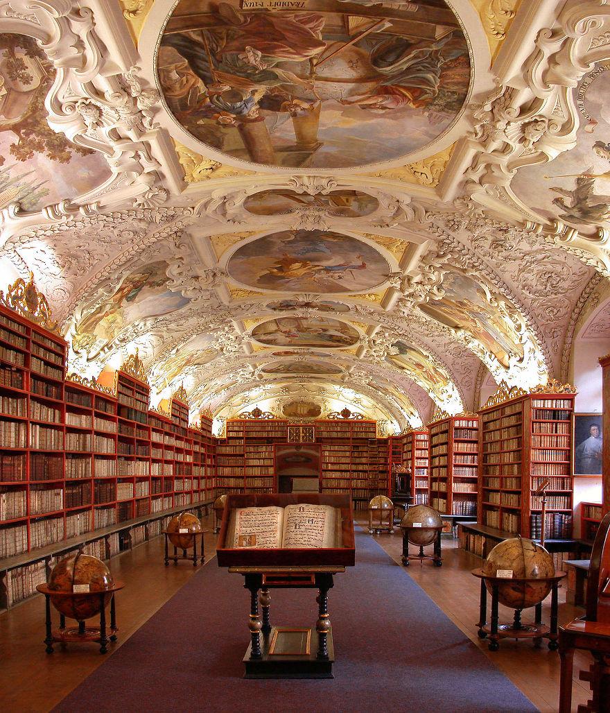 Bibliotecas (9)