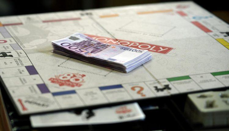 Monopolio 80 aniversario dinero real (2)