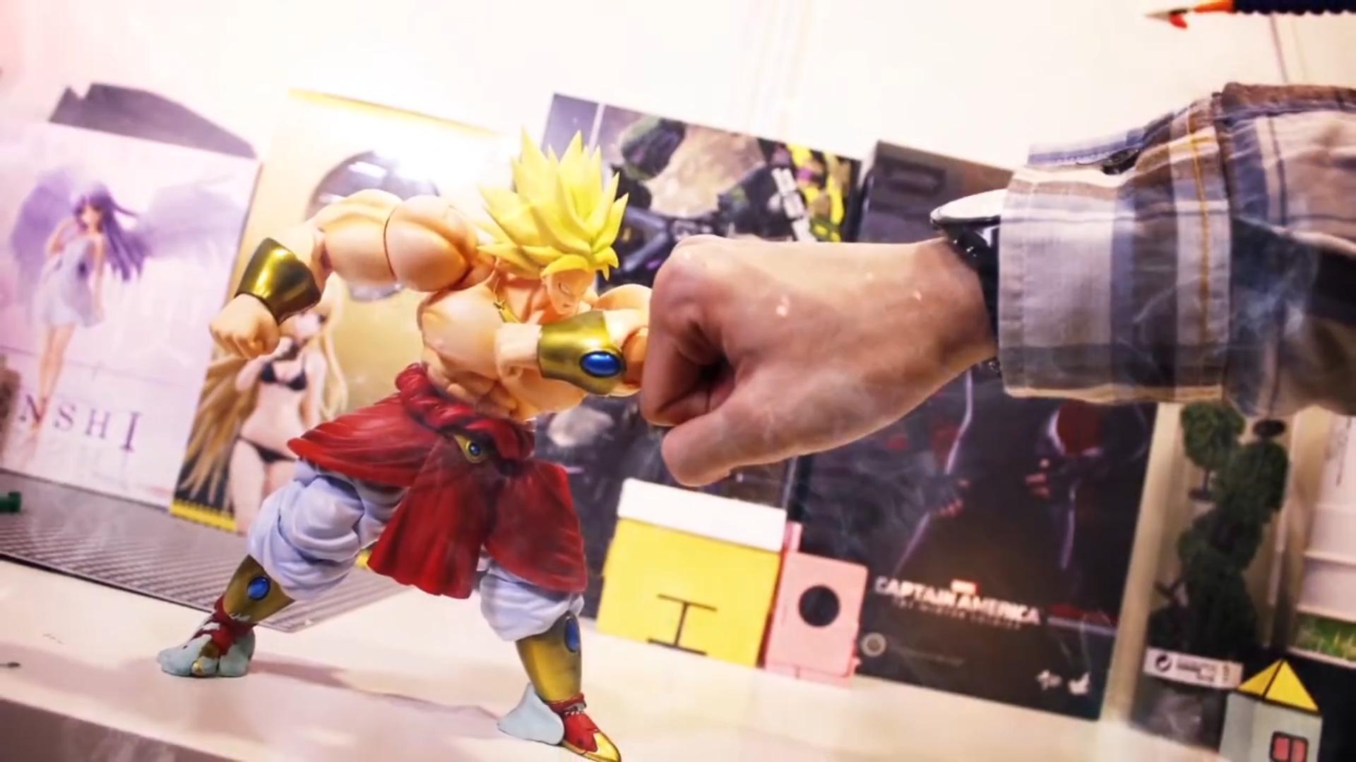 Dragon Ball Z Broly Vs Goku (1)