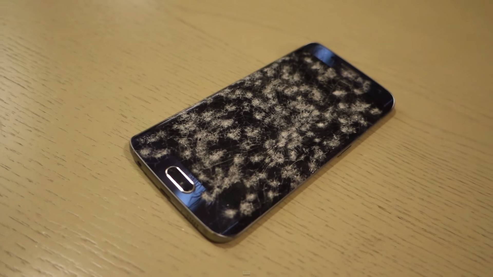 Galaxy S6 Edge test hammer (2)