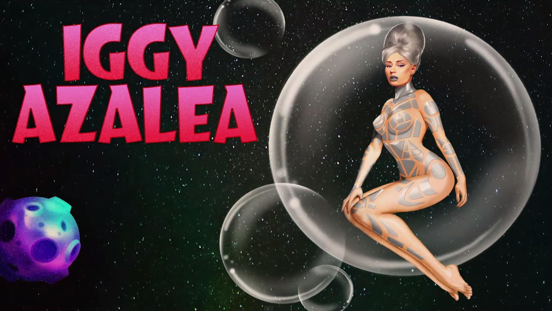 Britney Spears Iggy Azalea Samsung ad (5)