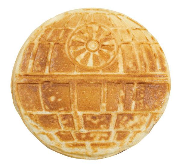 star-wars-waffle-iron-think-geek-3