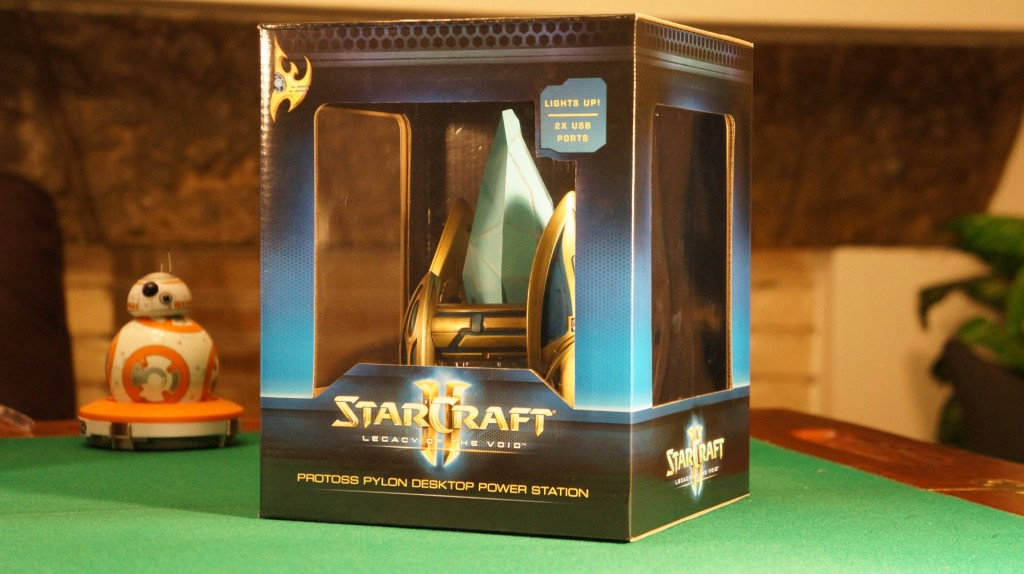 StarCraft Pylon unboxing2