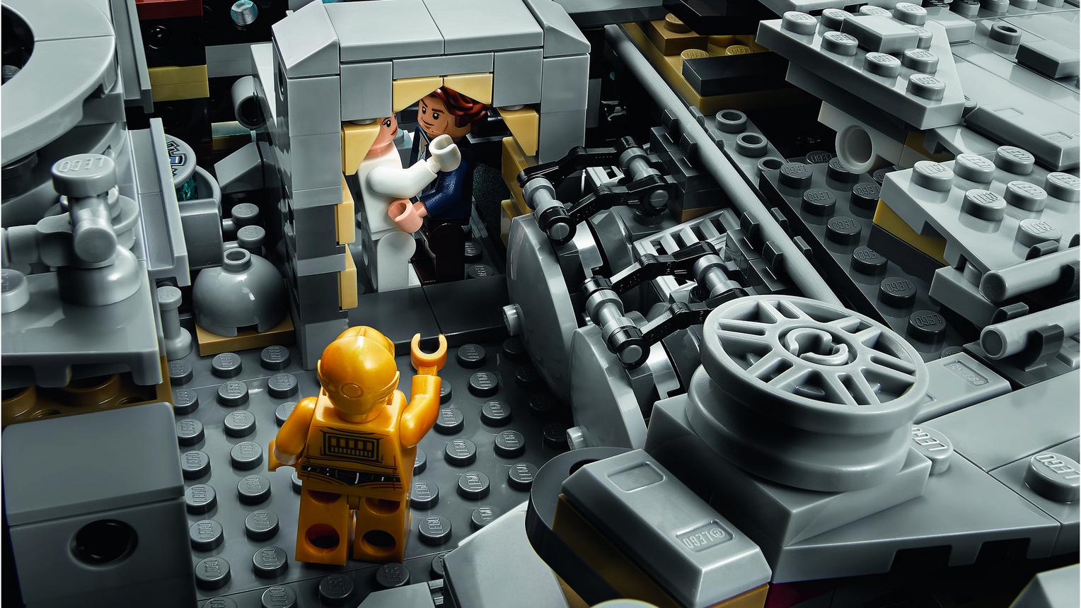 LEGO Halcón milenario Milenium Falcon (4)