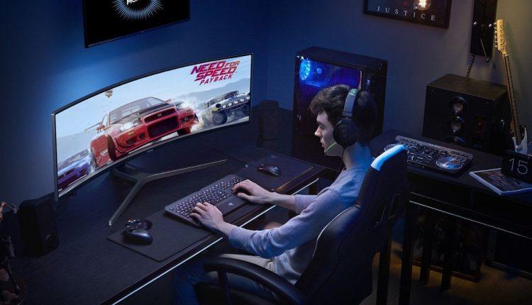 Samsung-CHG90-QLED-Gaming-Monitor-03