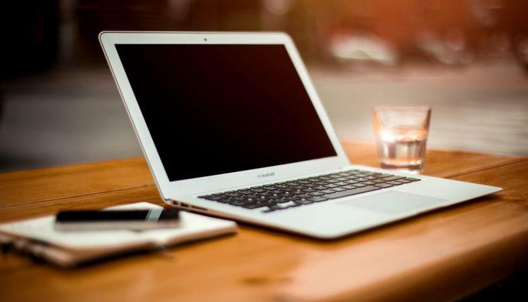 MacBook-Air-Lifestyle-Foto