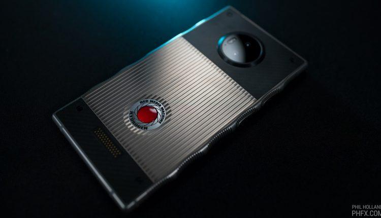 Red-hydrogen-one-2018-05-21-03
