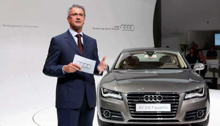 05661-2011-audi-a7-sportback-rupert-stadler-chairman-of-the-board-of-management-audi-ag-at-world-premier-in-munich-1280×960