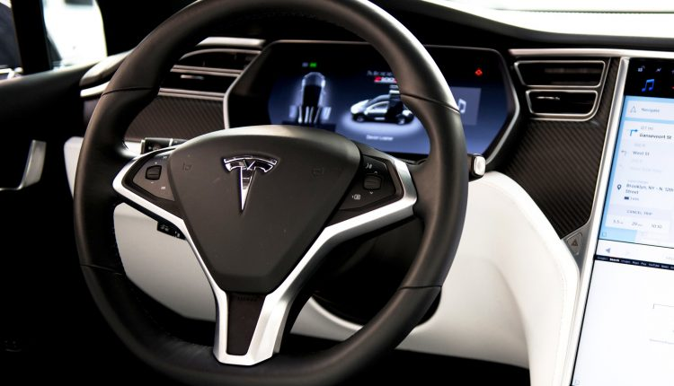Tesla-Self-Driving-893128080