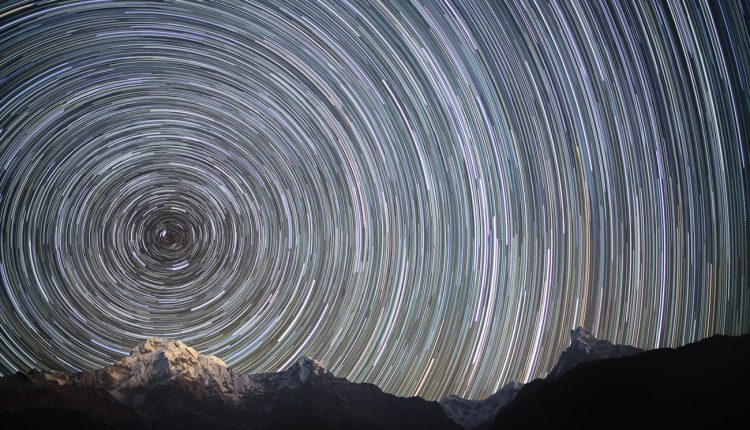 Earth_Rotation_(Nepal,_Himalayas)