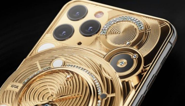2b171df0-caviar-iphones-1200-x-858-4