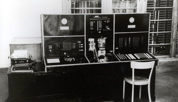 12731_Bedienpult-der-Z4-im-Jahr-1950
