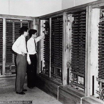 Relaisschraenke-des-Z4-Computers-der-1950-an-der-ETH-Zuerich-installiert-wurde-Bild-ETH_Q640
