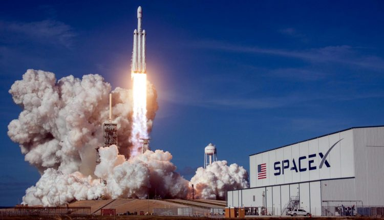 spacex-falcon-heavy-elon-musk-china-europe-esa-nasa-mars-sls-boeing