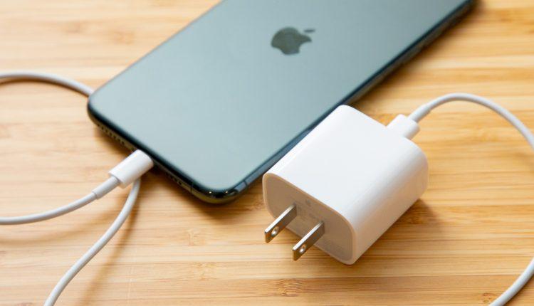 El-desmontaje-del-iPhone-11-Pro-Max-revela-la-sorprendente